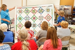 August-2018-Show-and-Share-│-KSLongarmQuilters-10-of-51