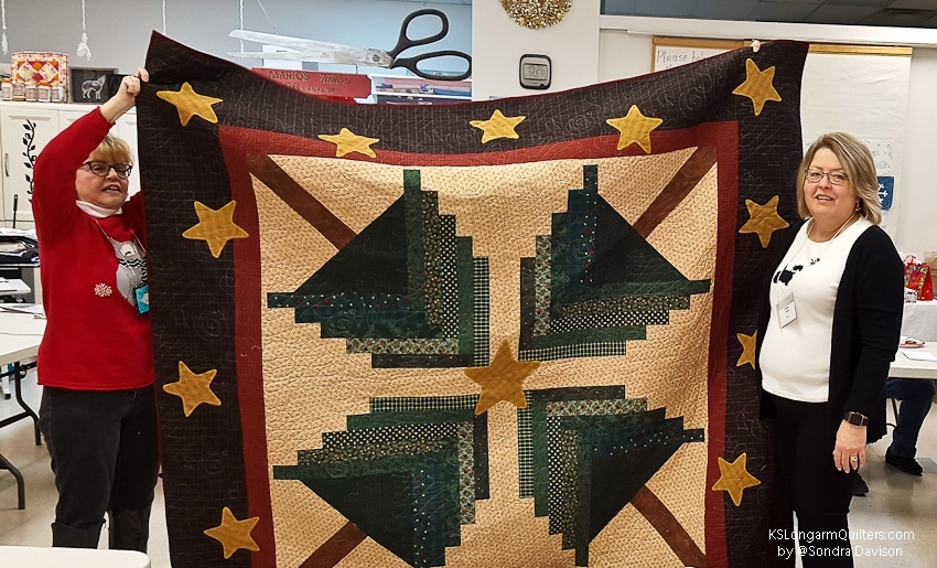 December-2018-Show-and-Share-│-KSLongarmQuilters-6-of-35
